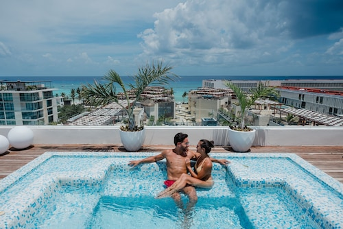 . The Reef 28 - Adults Only - All Suites - Optional Gourmet All Inclusive