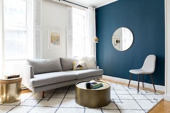 Modern Back Bay Suites by Sonder