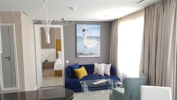 RENT-INN Suites Hotel