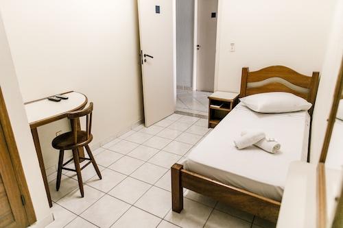 Oásis Hotel, Floriniapolis