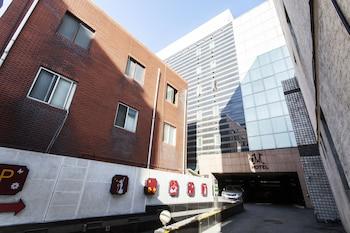 M ホテル (M Hotel)