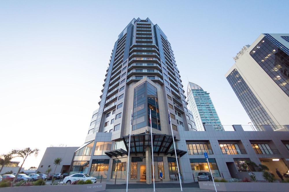 Takapuna High Rise Apartment
