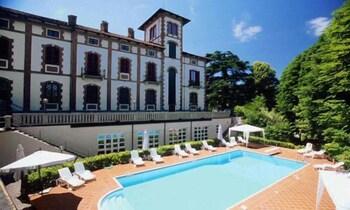 . Villa Conte Riccardi