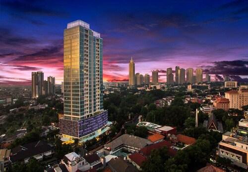 . Oakwood Suites La Maison Jakarta