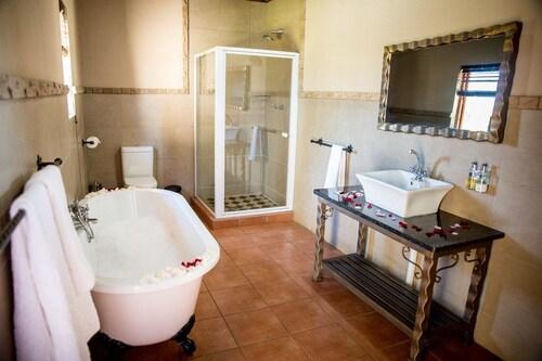 Thaba Legae Guest Lodge, Bojanala