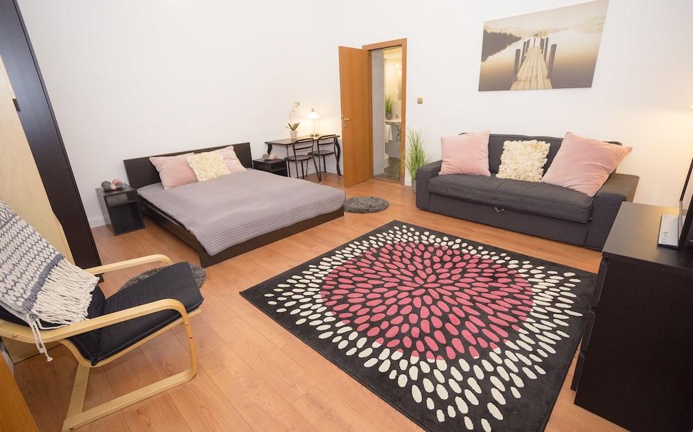 Caldo Apartments