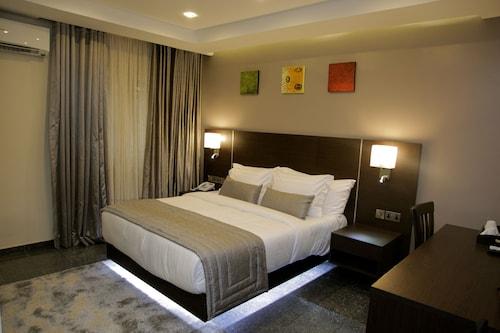 The Nook Hotel, Eti-Osa