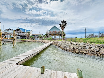Galveston Sportsman Road Beach House by RedAwning