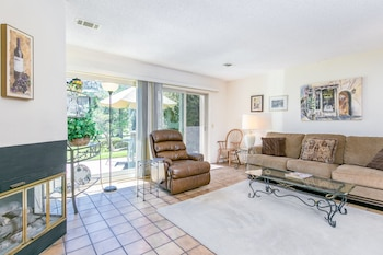 Nipomo Condo with Golf Course Views by RedAwning