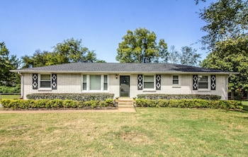 Classic Nashville Ranch by 65 by RedAwning