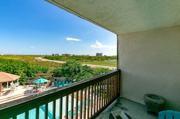 South Texas Beach Condo by RedAwning
