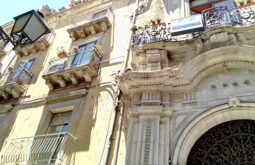 . Palazzo Aprile