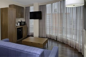 Guestroom at Holiday Inn Express-Bronx in Bronx