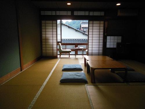 Hayakawa Economy Inn, Toyooka