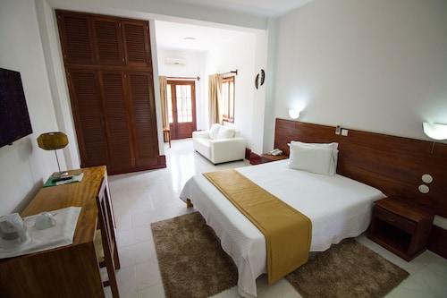 Hotel Praia, Água Grande