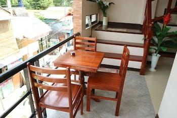 RELUCIO INN Outdoor Dining