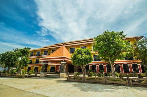 . Maladee Hotel