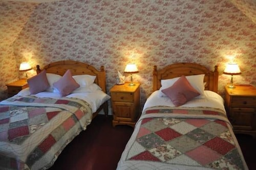 McKays Hotel Bar & Restaurant, Perthshire and Kinross