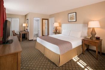 Classic Room, 1 King Bed, Corner