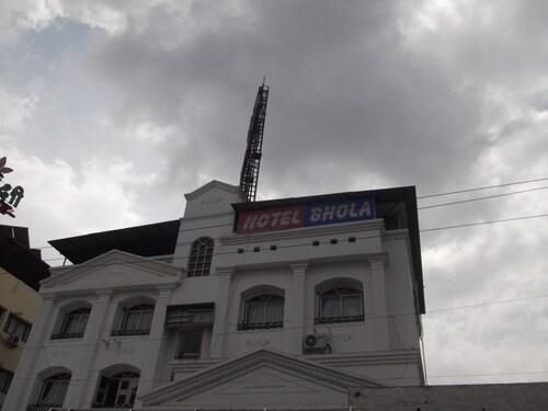 Hotel Bhola, Pune