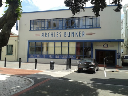 Archies Bunker Affordable Accommodation, Napier