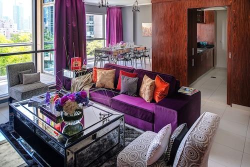 . Dream Inn Dubai -Burj Residence