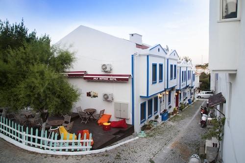 Iola Hotel, Bozcaada