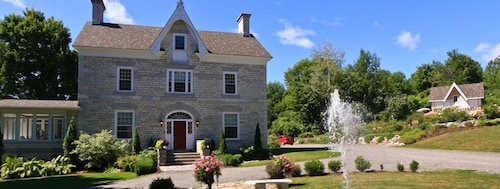 . Clyde Hall Bed and Breakfast