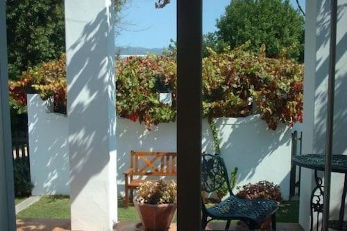 Sunny Lane, Cape Winelands