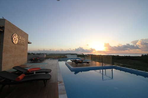 Grand Fifty Suites, Cozumel