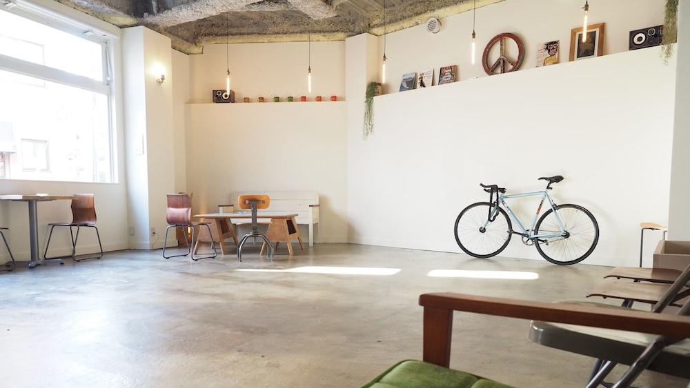 アーモンド ホステル & カフェ 渋谷