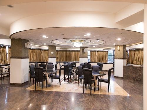 OYO 1101 Hotel Orient Grand, Nagpur