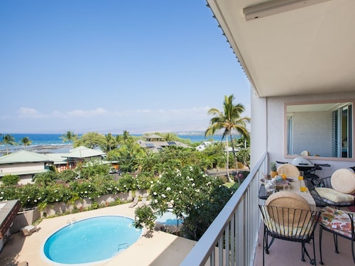 Puako Beach Penthouse 405 - 3 Br condo by RedAwning, Hawaii
