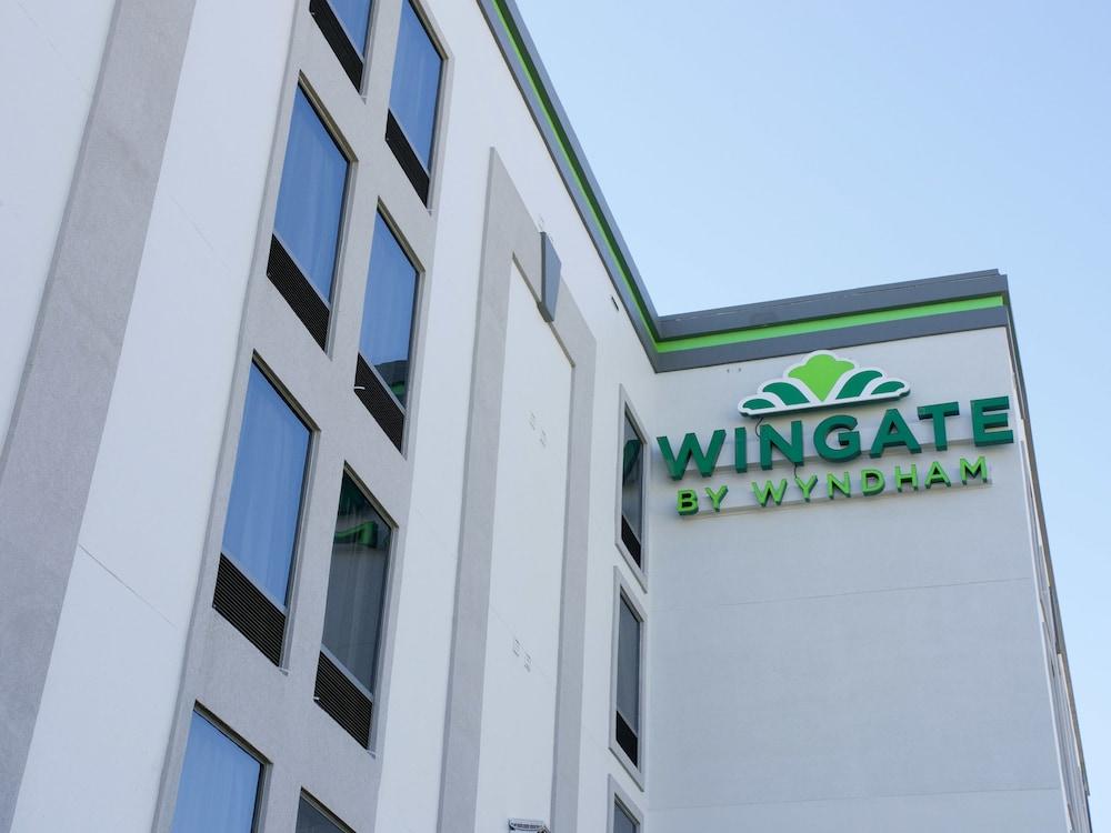 윈게이트 바이 윈덤 루이빌 페어 앤드 엑스포(Wingate by Wyndham Louisville Fair and Expo) Hotel Image 58 - Hotel Front