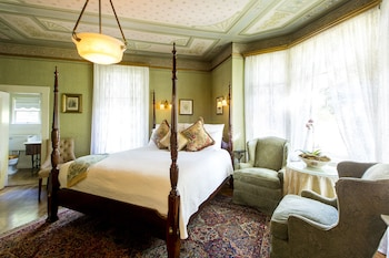 Superior Room, 1 King Bed, Fireplace (Parlor)
