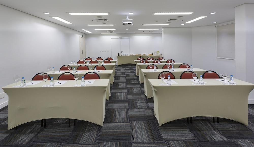 인터시티 이비라푸에라(Intercity Ibirapuera) Hotel Image 51 - Meeting Facility