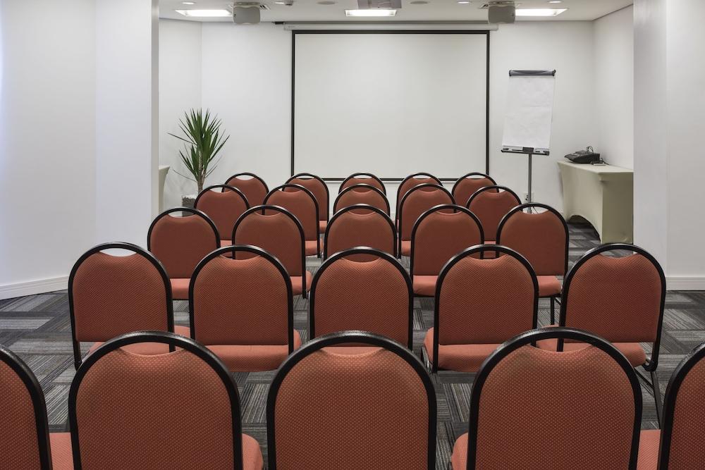 인터시티 이비라푸에라(Intercity Ibirapuera) Hotel Image 53 - Meeting Facility