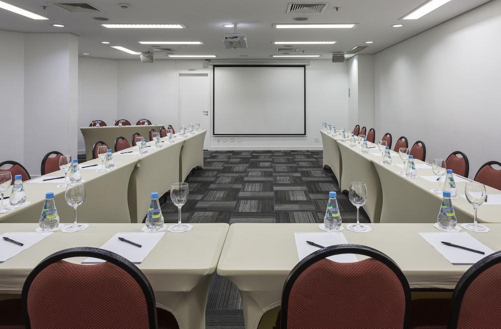 인터시티 이비라푸에라(Intercity Ibirapuera) Hotel Image 55 - Meeting Facility
