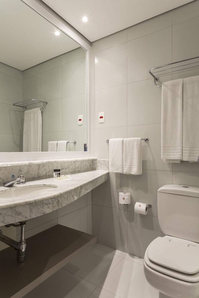인터시티 이비라푸에라(Intercity Ibirapuera) Hotel Image 33 - Bathroom