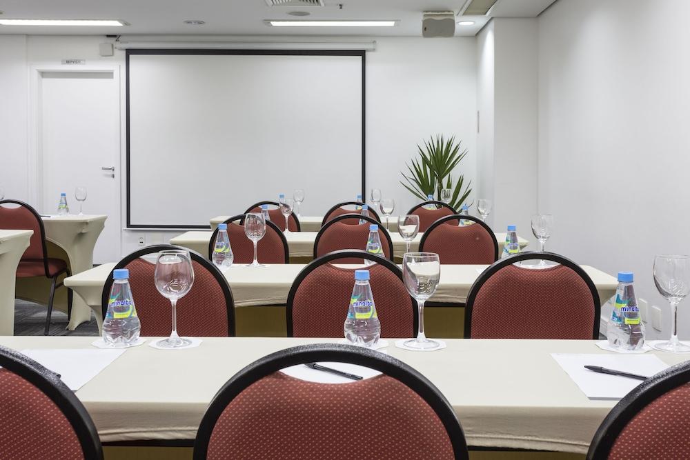 인터시티 이비라푸에라(Intercity Ibirapuera) Hotel Image 57 - Meeting Facility