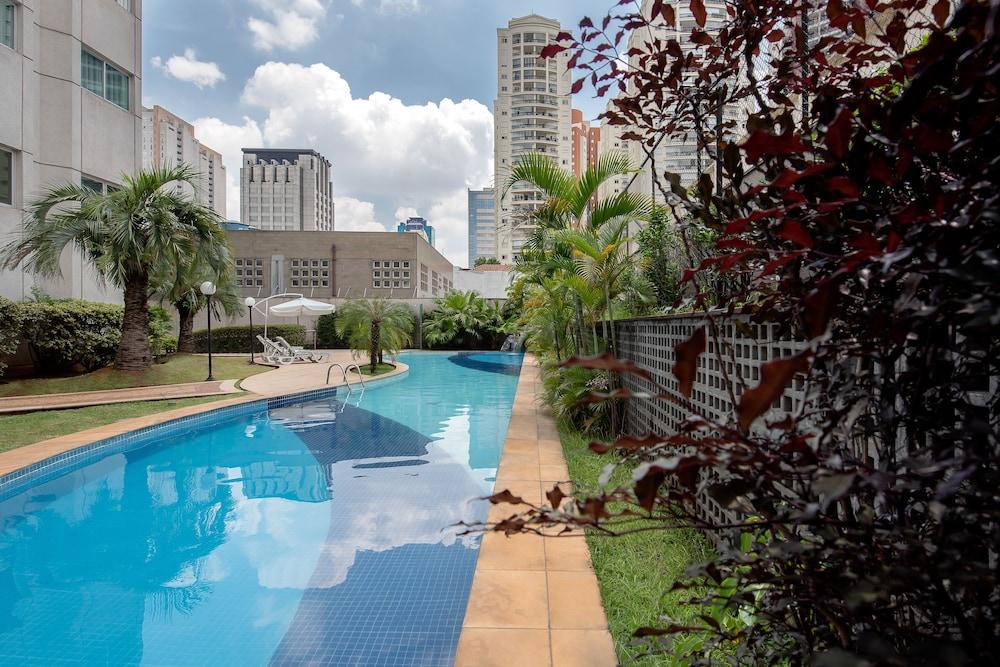 인터시티 이비라푸에라(Intercity Ibirapuera) Hotel Image 3 - Pool