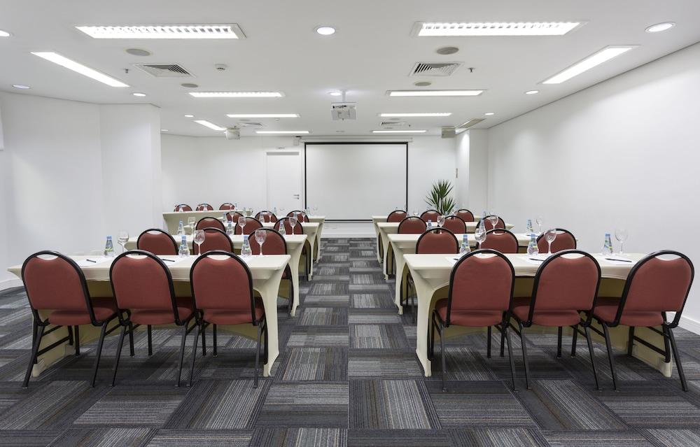 인터시티 이비라푸에라(Intercity Ibirapuera) Hotel Image 58 - Meeting Facility