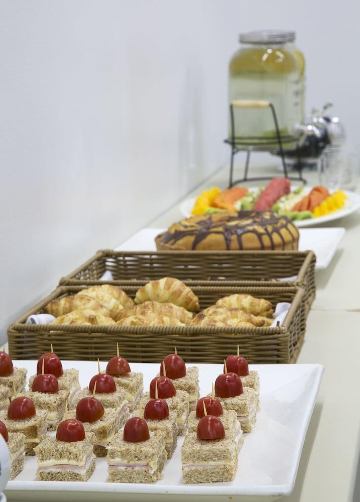 인터시티 이비라푸에라(Intercity Ibirapuera) Hotel Image 45 - Breakfast Area