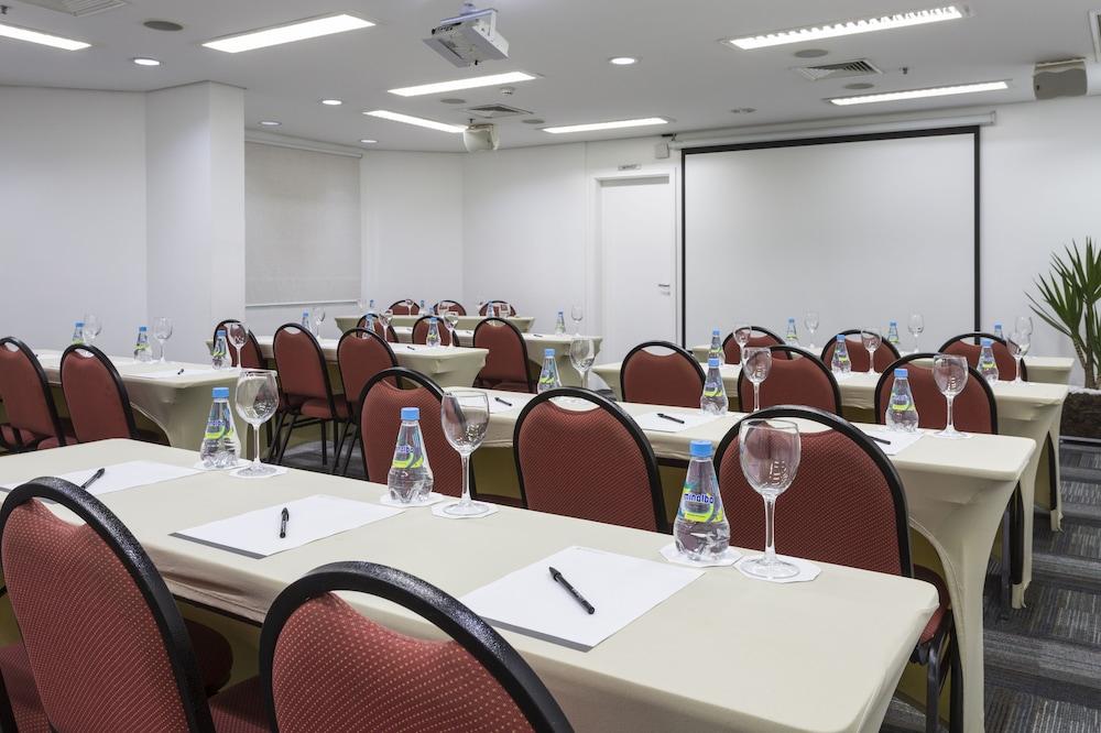 인터시티 이비라푸에라(Intercity Ibirapuera) Hotel Image 59 - Meeting Facility