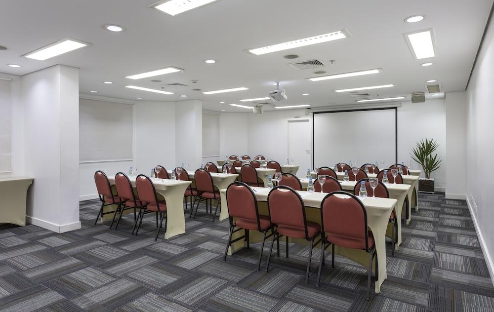 인터시티 이비라푸에라(Intercity Ibirapuera) Hotel Image 66 - Meeting Facility