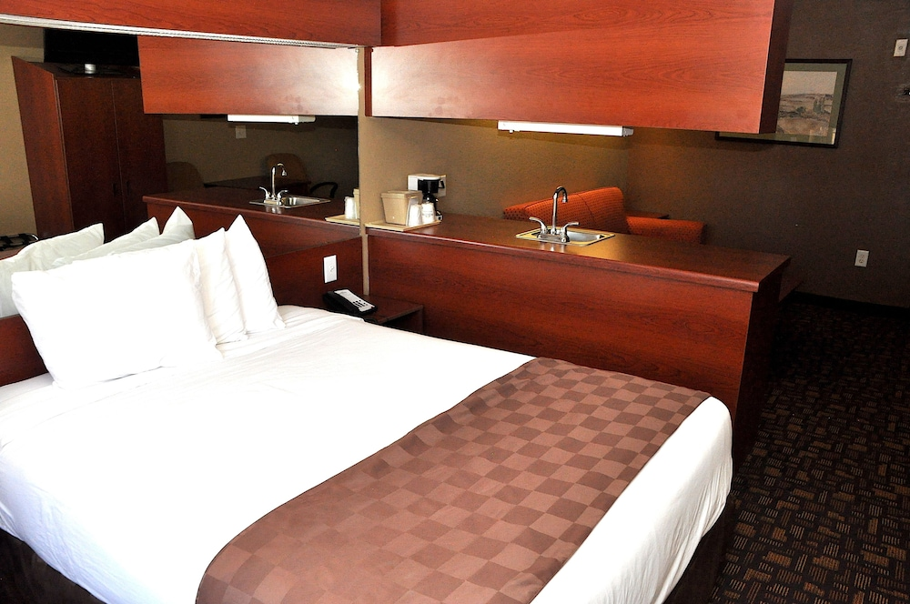 Room : Superior Room, 1 Queen Bed with Sofa bed 10 of 54