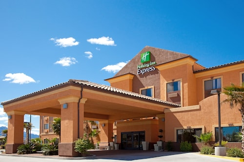 . Holiday Inn Express Hotel & Suites Kingman
