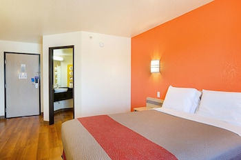 Standard Suite, 2 Double Beds, Non Smoking, Refrigerator & Microwave