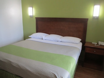 Deluxe Room, 1 Double Bed, Accessible, Smoking