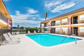 Hotel - Super 8 by Wyndham Midwest City OK